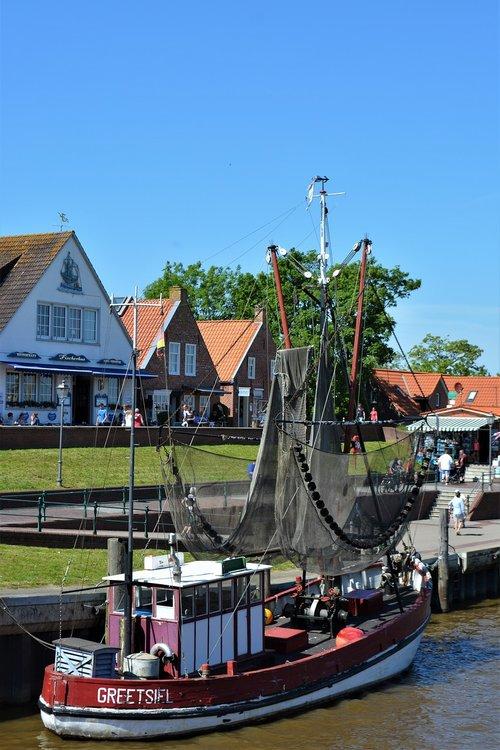 greetsiel  fishing boat  east frisia