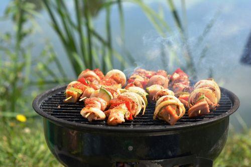 grill skewers eating