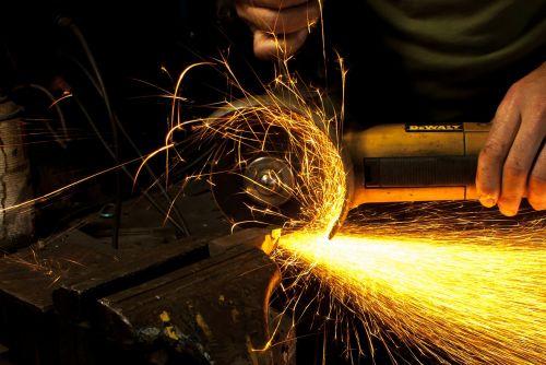 grinder grinding corner