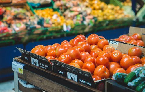 maisto prekių parduotuvė,prekybos centras,daržovių,parduotuvė,pomidoras,vaisiai,laikyti,turgus,bakalėja,maistas,apsipirkimas,super rinka,didmeninė prekyba,patogumo parduotuvė