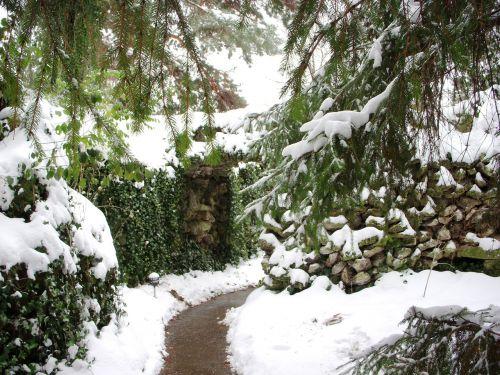 grotto prayer path