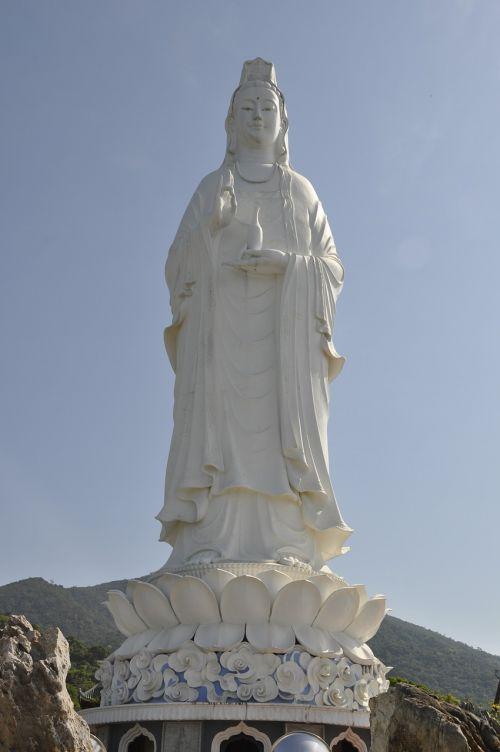guanyin buddha statue linh ung pagoda in da nang vietnam