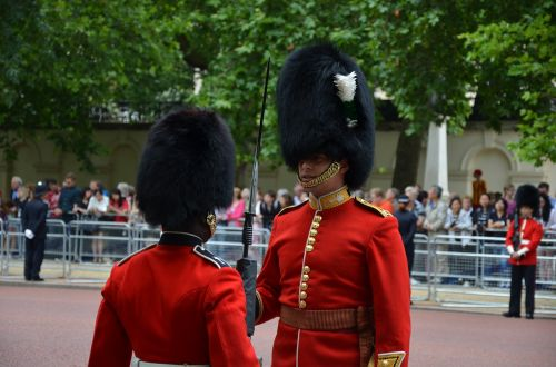 guards queen parade