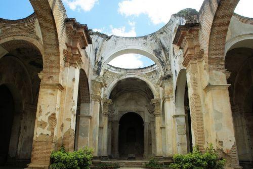Gvatemala,antigua,katedra,sunaikinimas,žemės drebėjimas,arcade,griuvėsiai