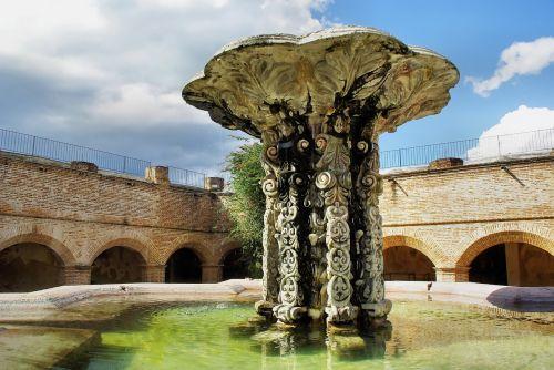 guatemela antigua fountain