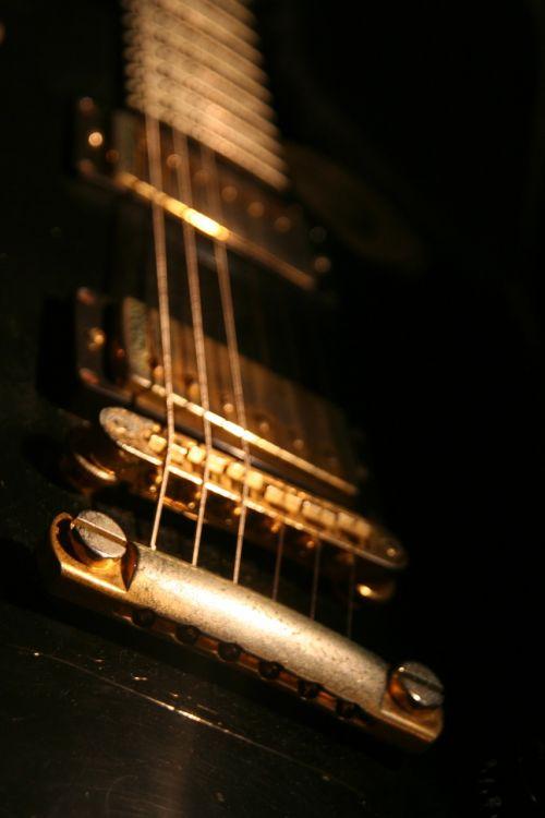 guitar gibson close