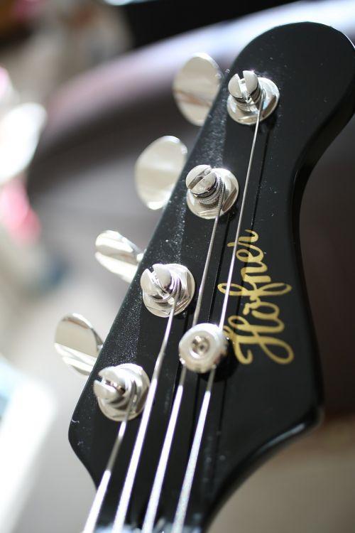 guitar head tuning bass