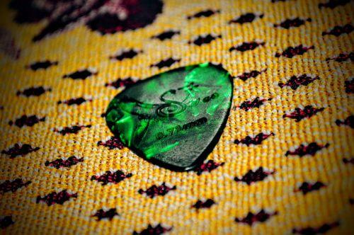 guitar pick plectrum green