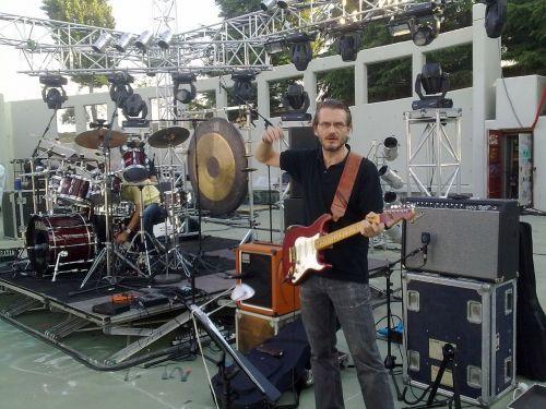 guitar player guitar sound check