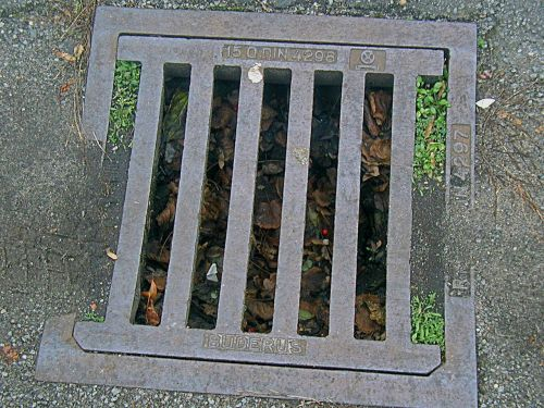 gully,šulinių dangtis,kanalizacija,dangtelis,metalas