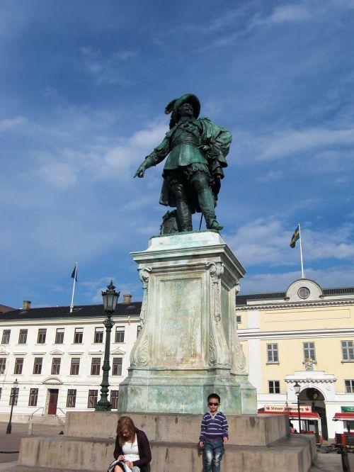 gustav adolf monument sweden