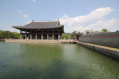 gyeongbuk rūmai,Uždraustasis miestas,Joseono dinastija,karališkasis rūmai,Gyeonghoeru