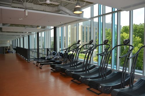 gym exercise equipment treamills