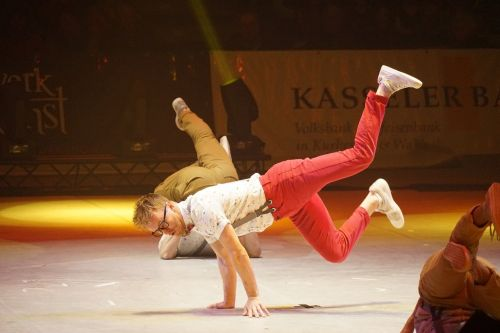 gymnastics break dancing artist