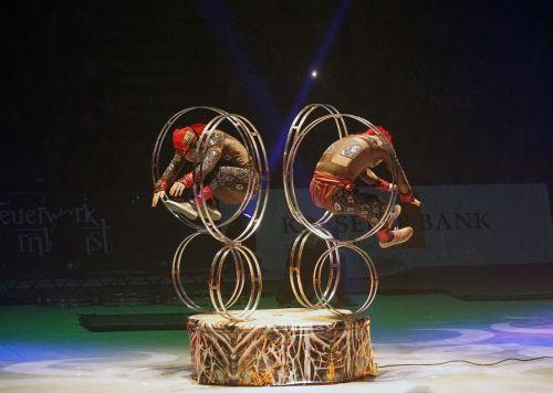 gymnastics acrobatics artist