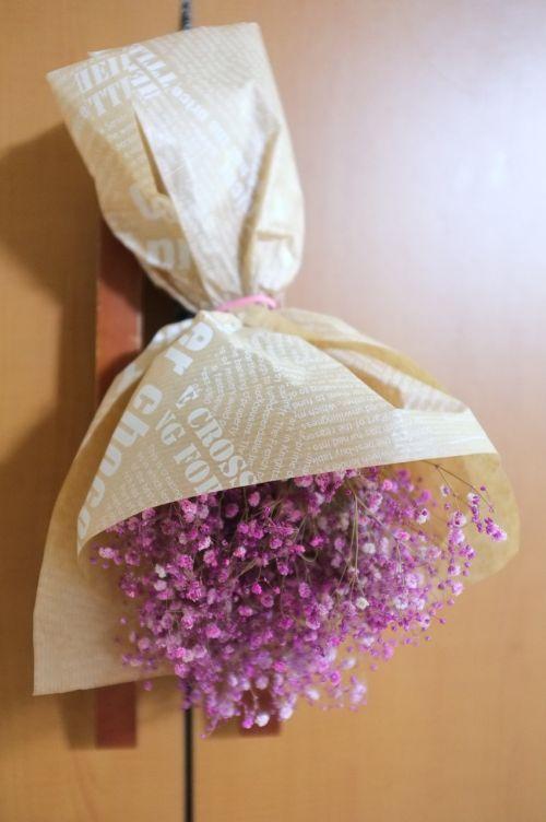 gypsophila elegans bouquet packing