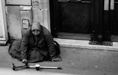 gypsy beggar paris