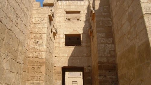 habu temple syrian style temple luxor west bank