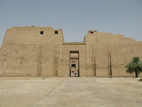 habu temple main entrance luxor west bank luxor temple