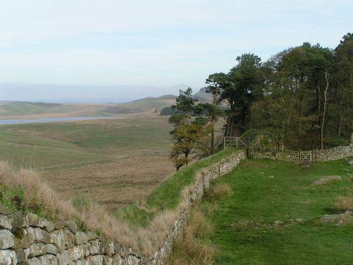 hadrian's wall england countryside