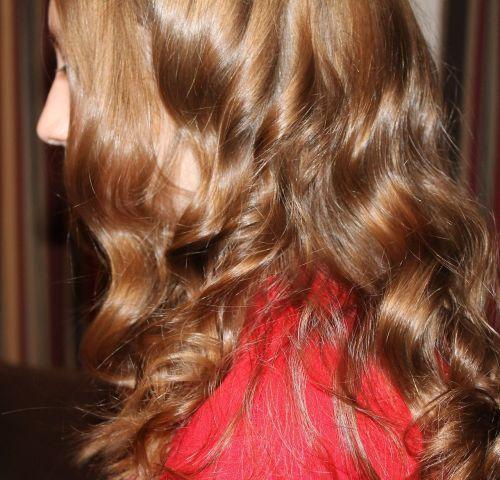 hair curls blonde