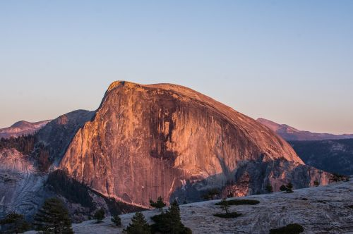 half dome,yosemite,national park,california,landscape,nature,valley,usa,granite,america,rock,landmark,mountain,scenic,cliff,outdoors,formation,geology,sunset,sunlight,wilderness,free photos,free images,royalty free