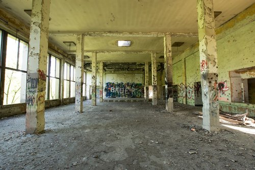 hall  large room  abandoned
