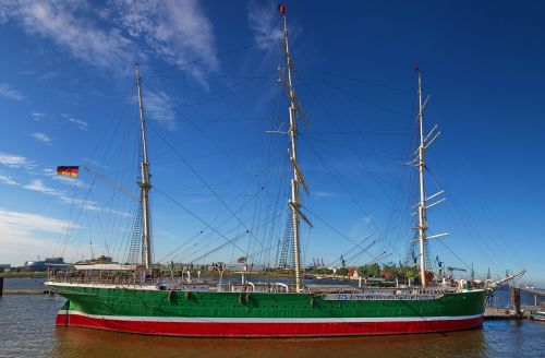 hamburg port sailing vessel