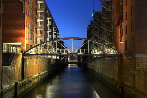 hamburg,speicherstadt,bridge,brick,old speicherstadt,homes,building,architecture,warehouse,waterways,germany,night photography,city,long exposure