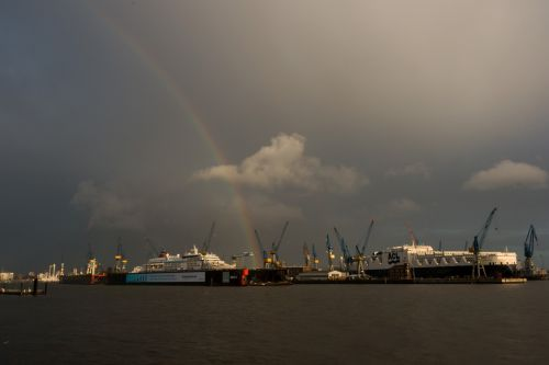 hamburg port rainbow