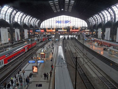 hamburg central station trains