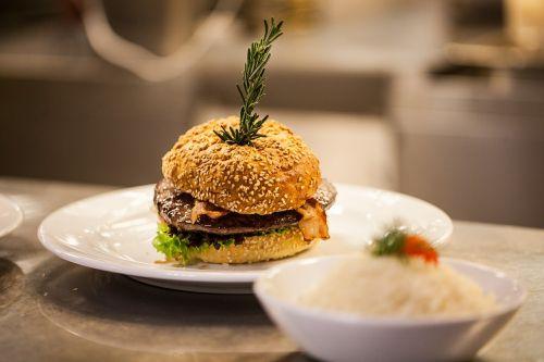 hamburger eat dine