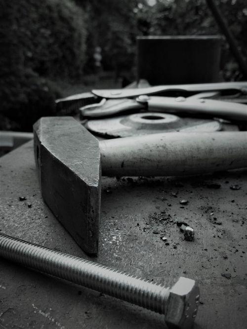 hammer screw steel