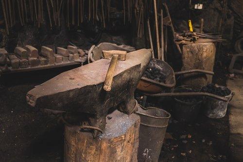 hammer  anvil  tools