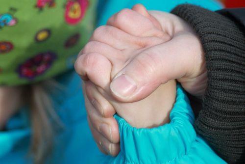 ranka,laikyti,saugumas,rankos,sulaikymas,pirštas,vaikas,laikyti rankas