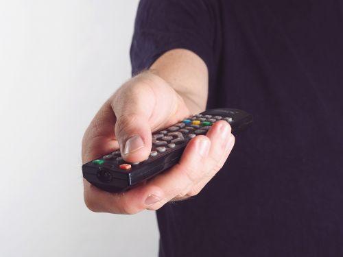 hand remote bediehnung tv