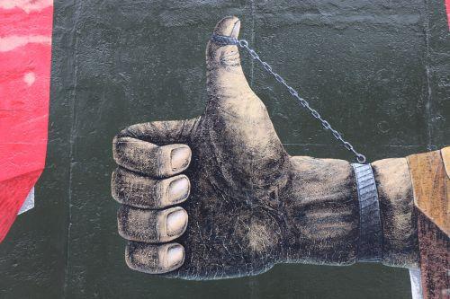 hand thumb east