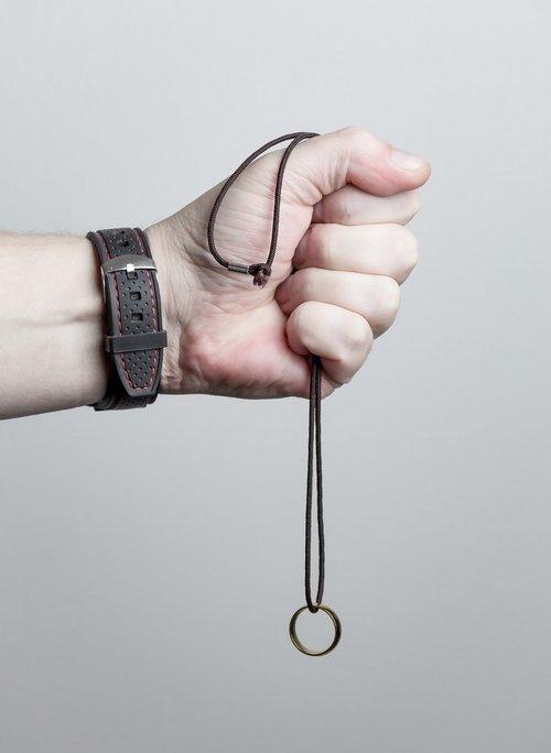 hand  take  ring