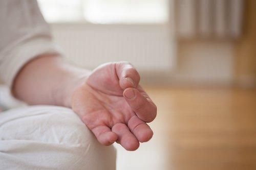 hand  yoga  meditation