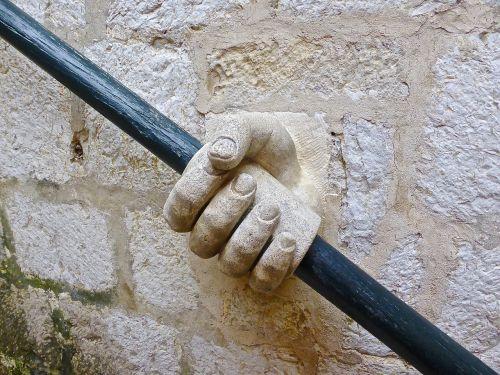ranka,turėklai,akmuo,laiptai,smiltainis,parama,laikyti,padėti rankai,uždaryta,laikyti ranką