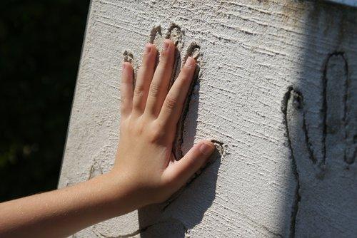 hand  child  sculpture