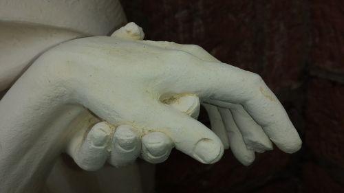 hand bear serve