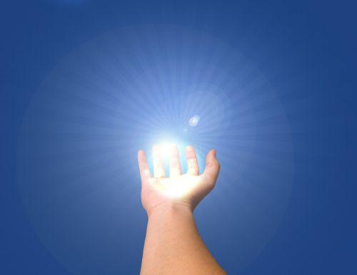 ranka,pasiekti,laikyti,žmogus,pasiekti,pirštai,delnas,mėlynas,ranka,konceptualus,ženklas,duoti,ūkis,simbolis,starburst,išryškinti,rodyti,moteris,balta,Moteris,sveikata,apsauga,investavimas