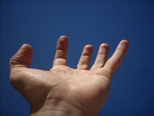 hand sky fingers