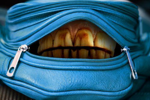 handbag open mouth