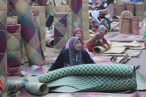 handicraft  market  amuntai