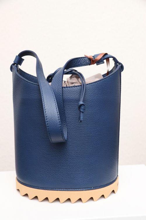 handle bag isolated