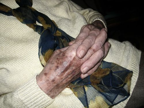 hands woman old age