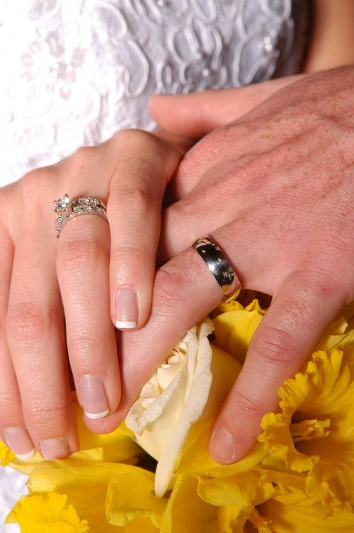 hands marriage rings