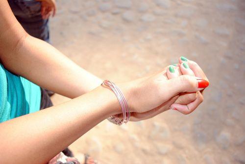 hands bond hand